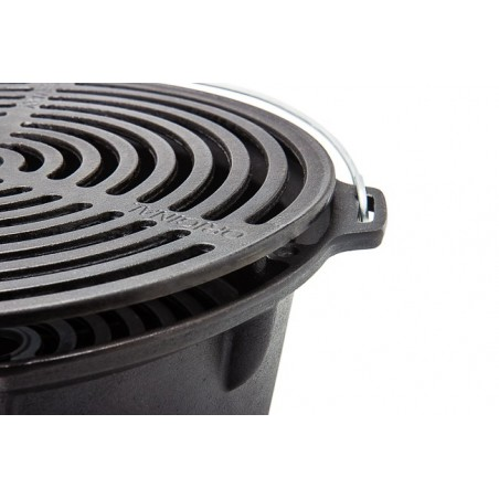 Fire Barbecue Grill with grilling grate set to low