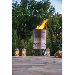 Feuerhand Pyron patio heater in use