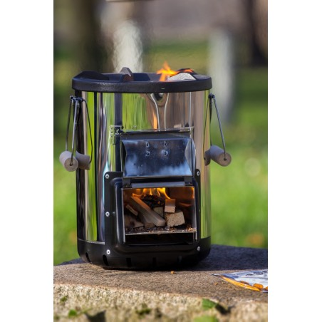 Petromax Rocket Stove RF33 lit and in use