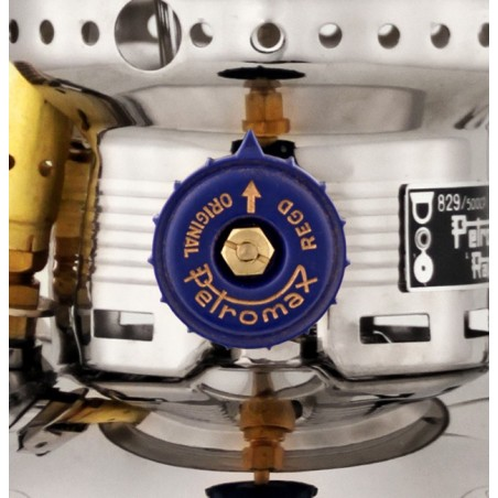 Petromax HK500 Pressure Lantern PX5 detail shot of on/off knob