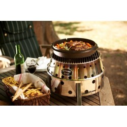 Petromax Atago Place your pots and pans on the grilling plate